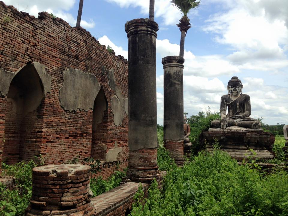 Ruined Buddha image in Ava ancient capital/ Photo credit: Jade Myar 2016